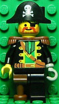 File:Captain Red Beard with Skull.jpg