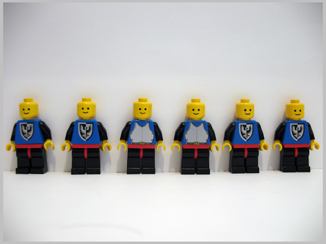 File:6074 Minifigures.jpg