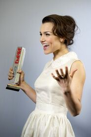 Samantha+Barks+Empire+Film+Awards+Press+Room+y3CpzIIAfe l