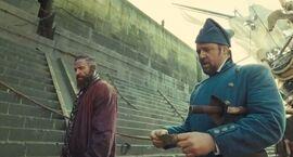 Les+Miserables+movie+2012+prisoner+jean+valjean+and+guard+javert+