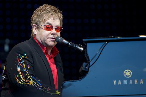 File:Elton John in Norway.jpg