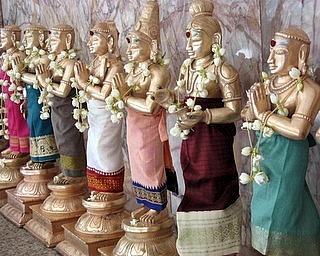 File:1.1239028260.hindu-cool-idols.jpg