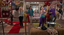 47791-liv-and-maddie-sweet-16-a-rooney-episode-screencap-1x9
