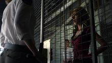 Kenzi visits Bo (Caged Fae) (301)