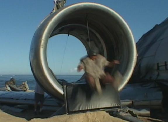 Archivo:TurbineManSuckedIn.jpg