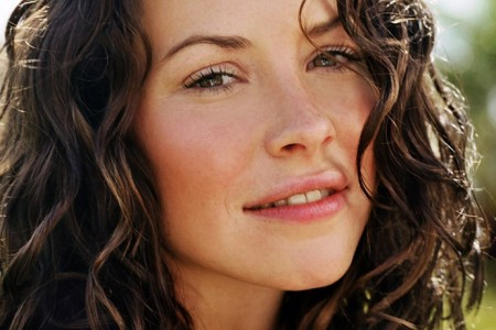 Evangeline Lilly Lost Season 1