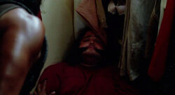4x03 Hurley in the closet.jpg