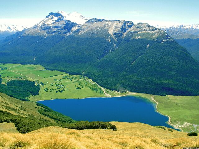 File:Diamond-lake paradise new-zealand.jpg