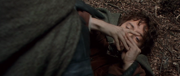 File:Frodo Baggins attacked by Boromir.png