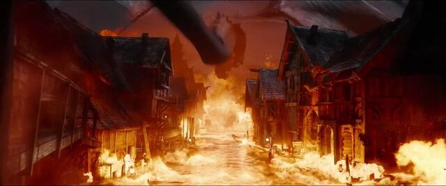 File:The Hobbit- The Battle Of The Five Armies Smaug 3.jpg