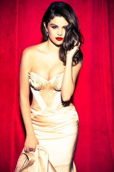 Selena Munitz Hot3