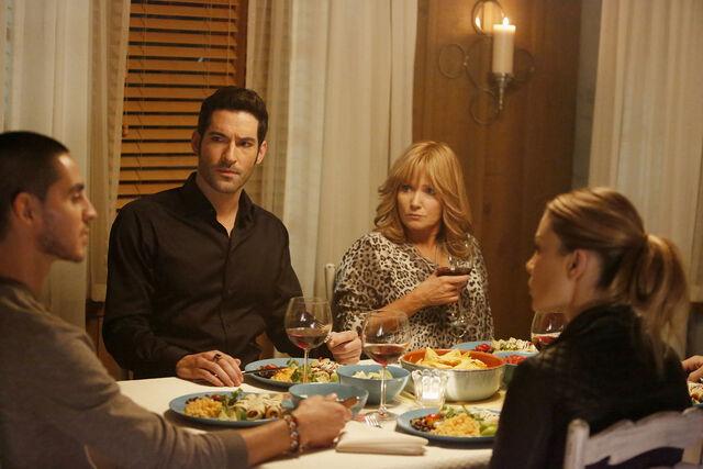 File:110 Junior Lucifer Penelope Chloe dinner.jpg