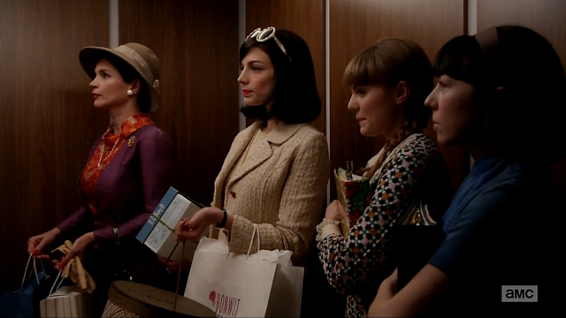 File:6x06 Megans Outfits (02).png