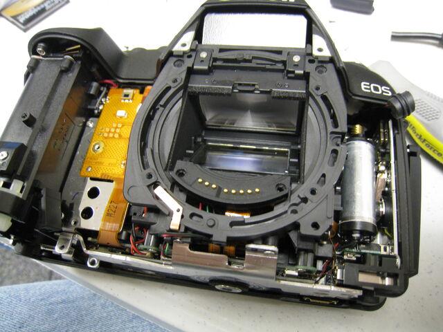 File:Lens mount.jpg