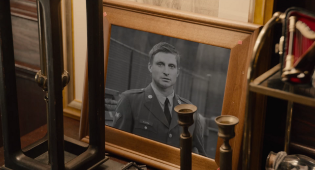 File:HankPym-ArmyPhotograph.png