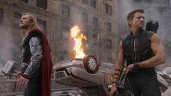 Thor-Hawkeye-BattleOfNewYork