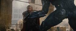 Thor-strangled-AoU