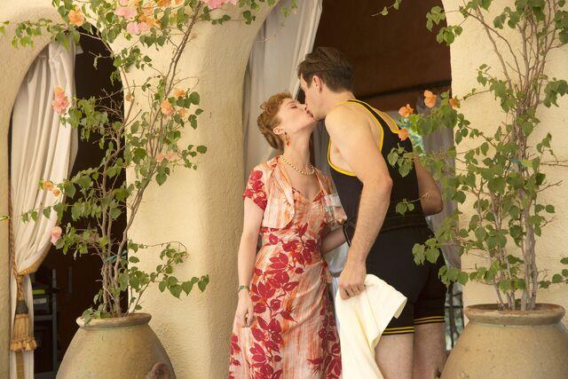 File:Ana kiss.jpg
