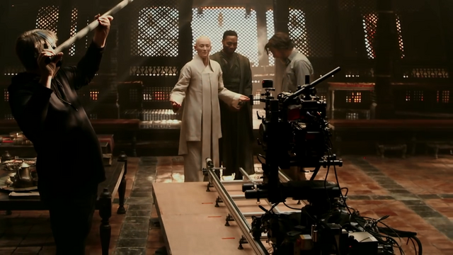 File:DS Featurette - Characters BTS 5.png