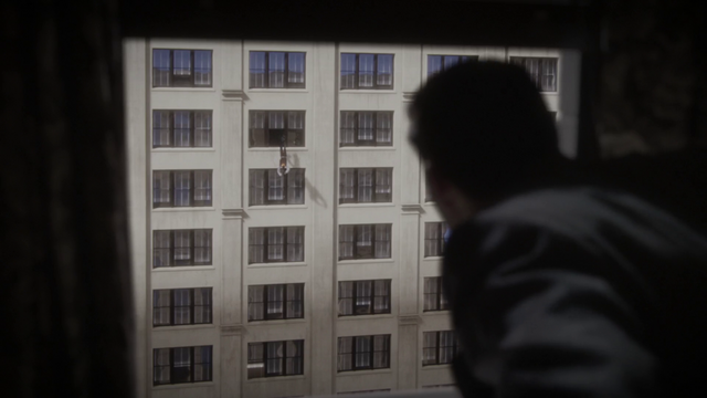 File:Dooley jumping to his death - Snafu (1x07).png