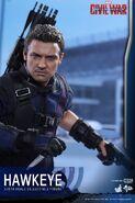 Hawkeye Civil War Hot Toys 6