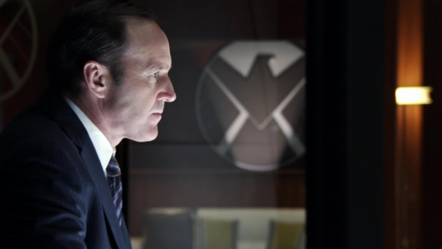 File:Coulson looks.png