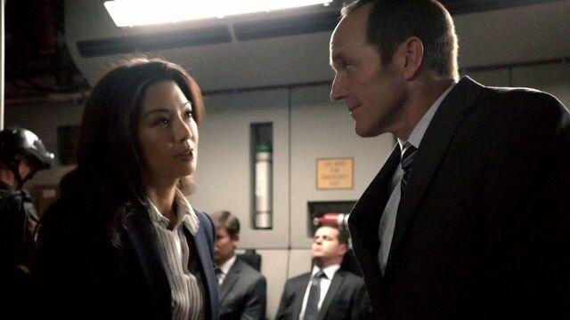 File:Coulson and May Melinda.jpg