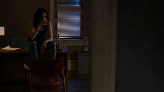 File:JessicaJones 1x06 AKAYoureAWinner 008.jpg