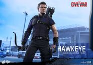 Hawkeye Civil War Hot Toys 16