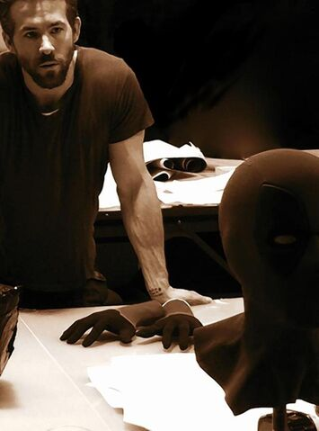 File:Deadpool mask prototype ryan reynolds.jpg