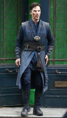 File:Doctor Strange Filming 70.jpg