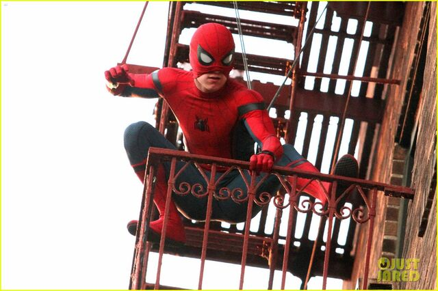 File:Tom-holland-performs-his-own-spider-man-stunts-on-nyc-fire-escape-04.jpg