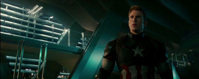 File:Avengers Age of Ultron 207.JPG