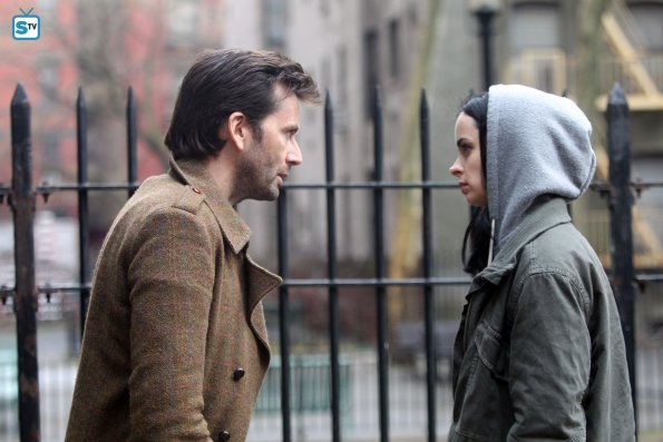 File:Jessica Jones and Purple Man set photos.jpg