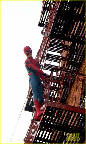 File:Tom-holland-performs-his-own-spider-man-stunts-on-nyc-fire-escape-08.jpg