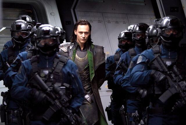 File:Tom-hiddleston-loki-avengersjpg-89bc63d1031fb36e.jpg