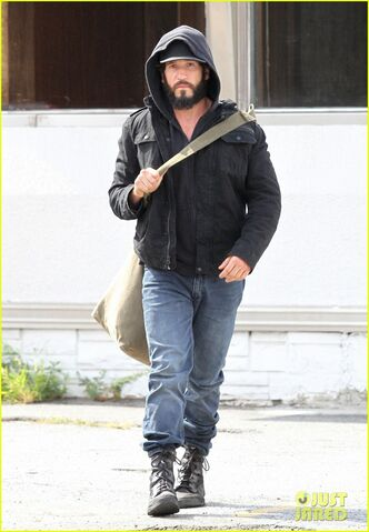 File:Jon-bernthal-starts-filming-the-punisher-first-set-photos-05.jpg