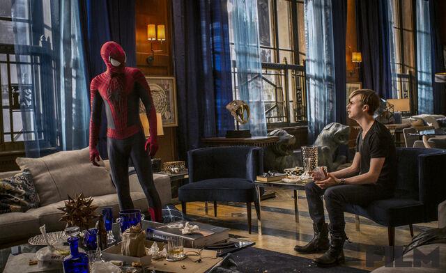 File:TASM2 Spider-Man and Harry Osborn.jpg