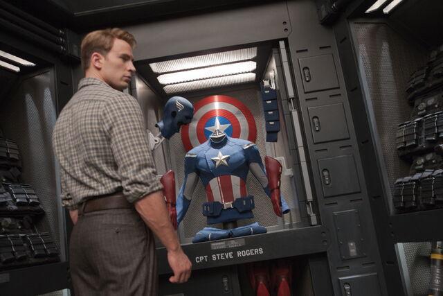 File:Steve new uniform display.jpg