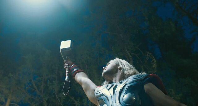 File:Thor avengers hammer-lightning.JPG