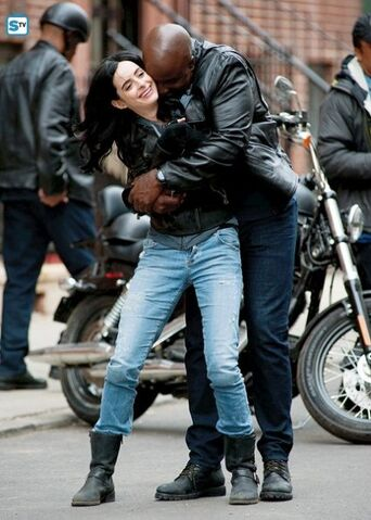 File:Jessica Jones and Luke Cage set photos.jpg