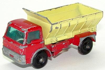 File:6670 Grit Spreading Truck.JPG