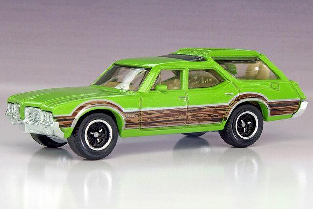 File:'71 Oldsmobile Vista Cruiser - 0991ef.jpg