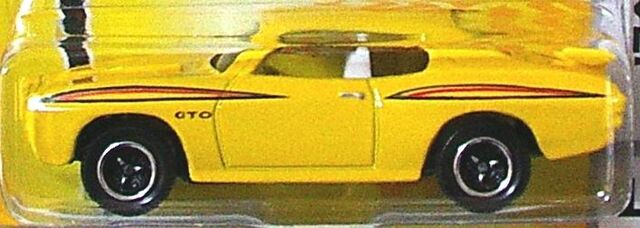 File:1970 pontiac gto yellow 2009.jpg