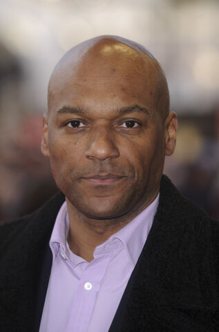 colin salmon arrow
