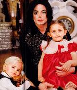 Michael-s-Babies-michael-jackson-7411552-632-739