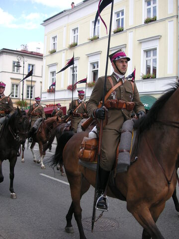 File:Warsaw Cavalry parade 3.jpg