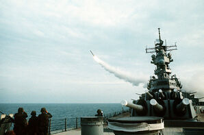 800px-USS Wisconsin (BB-64) launching Tomahawk