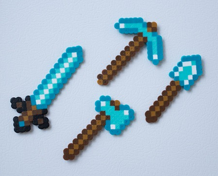 File:Mini-minecraft-diamond-tools-fridge-magnet-set-1-.jpg