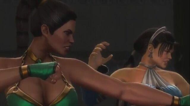 File:Jade and Kitana preparing to fight Sindel.JPG
